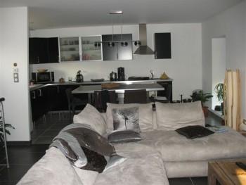 ancienne grange r nov e moderne 85m location tournage cin ma avec cast 39 things. Black Bedroom Furniture Sets. Home Design Ideas