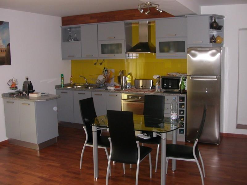 maison au nord du portugal location tournage cin ma avec. Black Bedroom Furniture Sets. Home Design Ideas