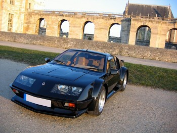 renault alpine a310 pack gt usine de 1983 location tournage cin ma avec cast 39 things. Black Bedroom Furniture Sets. Home Design Ideas