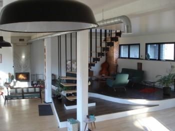 Atelier transform en loft location tournage cin ma avec for Loft atelier a louer
