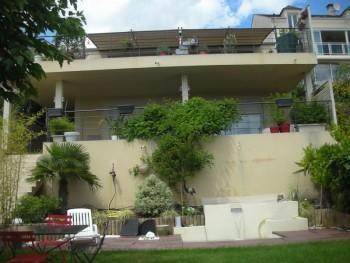 maison atypique en r gion parisienne location tournage cin ma avec cast 39 things. Black Bedroom Furniture Sets. Home Design Ideas