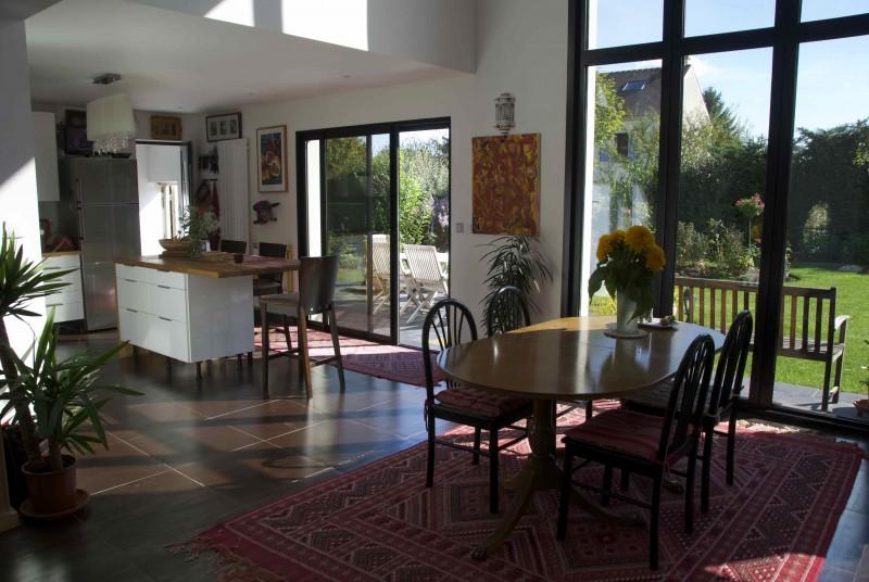 maison contemporaine val d 39 oise location tournage cin ma avec cast 39 things. Black Bedroom Furniture Sets. Home Design Ideas