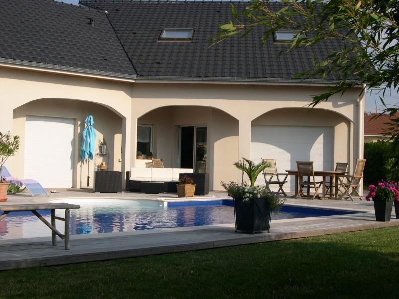Maison contemporaine 250 M2 avec piscine en Lorraine - Location tournage cinéma avec Cast'Things