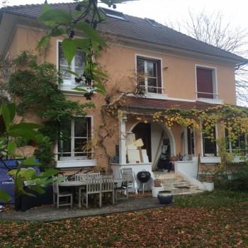 Maison ancienne avec jardin et terrasse location tournage cin ma avec cast - Louer sa maison pour le cinema ...