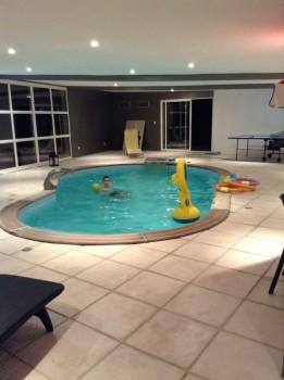 maison de plain pied avec piscine intérieure - Location tournage ...