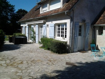 Maison de caract re 70km l 39 ouest de paris location tournage cin ma av - Louer sa maison pour le cinema ...