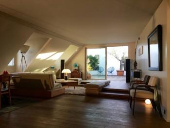 appartement rue bonaparte paris 6 200m2 plus terrasse 60 m2 location tournage cin ma avec cast. Black Bedroom Furniture Sets. Home Design Ideas