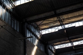 locaux industriels (800m2 et 1200m2), Photo 1