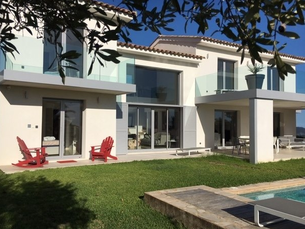 superbe villa contemporaine 240 m2 près de Saint Tropez
