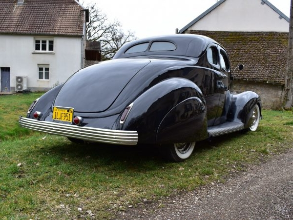 hot rod Ford 1938 noir coupé 2 places deluxe